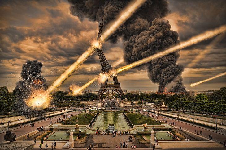 Zdjęcie niszczonego Paryża pochodzi z serwisu Shutterstock