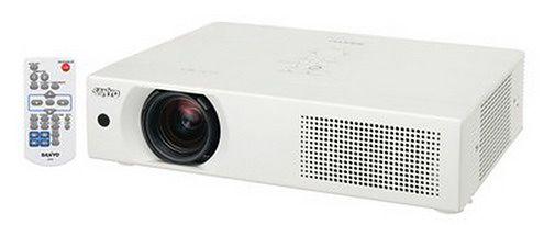 projektor-sanyo-lp-xu106