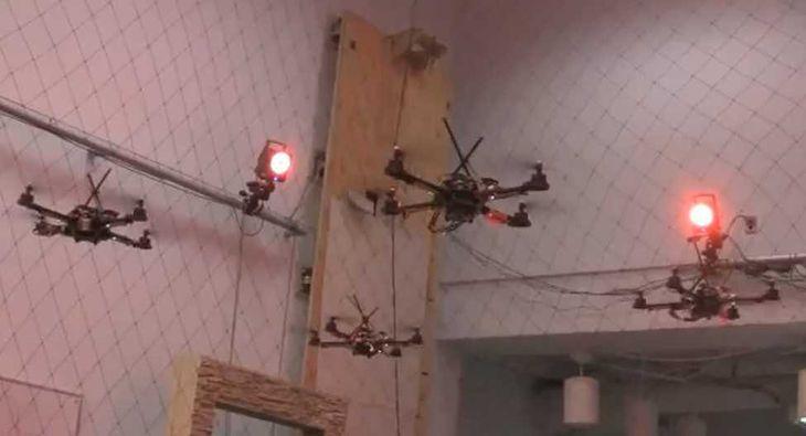 Eskadra quadrocopterów
