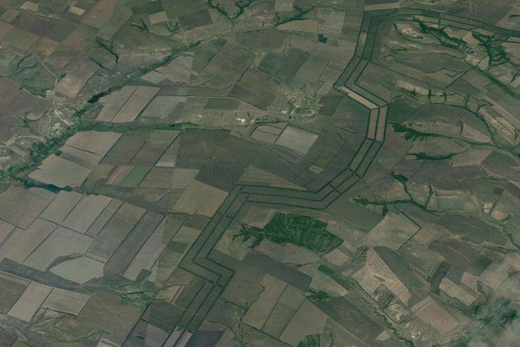 W rejonie Wołgogradu widać z kosmosu zielone pasy