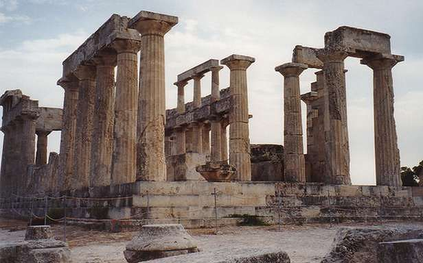 Czy dawny symbol sukcesu podniesie się z ruin? (Fot. Flickr/Alun Salt/Lic. CC by-sa)