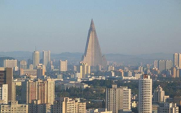 Ryugyong Hotel(Fot. SkyscraperCity.com)