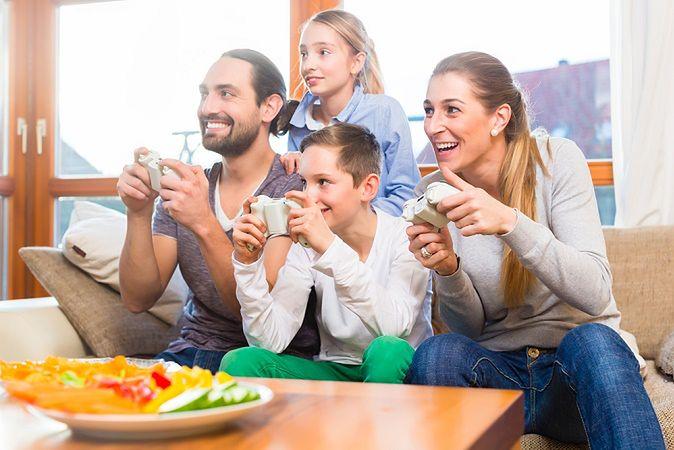 Zdjęcie rodziny pochodzi z serwisu shutterstock.com