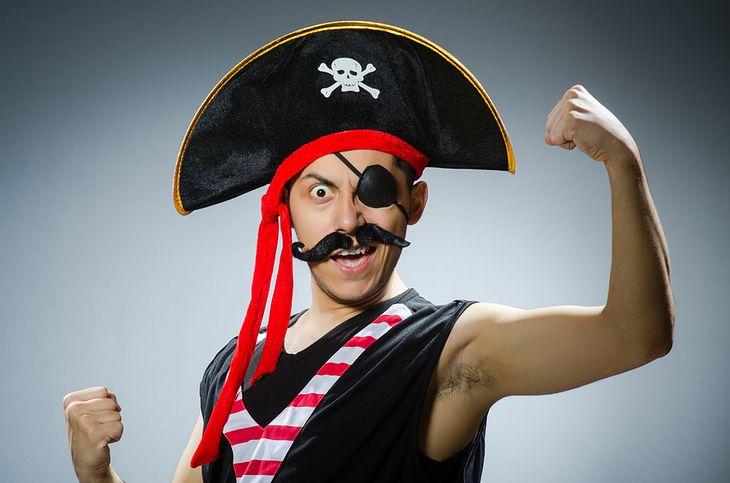 Zdjęcie pirata pochodzi z serwisu Shutterstock