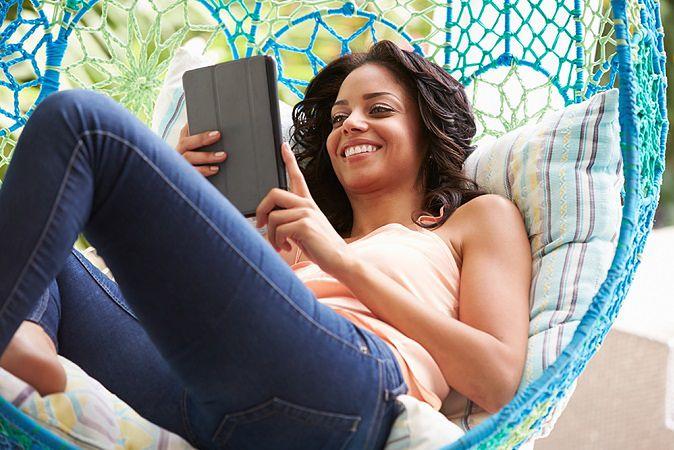 Zdjęcie tabletu pochodzi z serwisu shutterstock.com