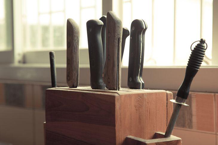 Ostrzałka do noży ma stałe miejsce w każdej kuchni i nie tylko