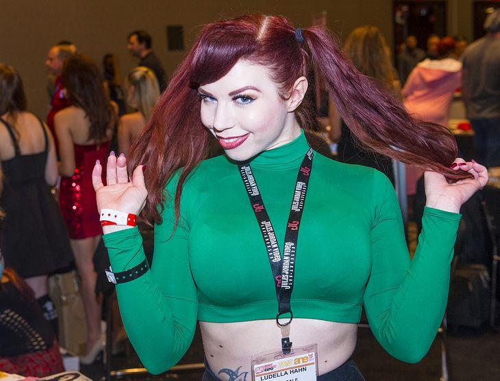 Zdjęcie dziewczyny pochodzi z serwisu shutterstock.com