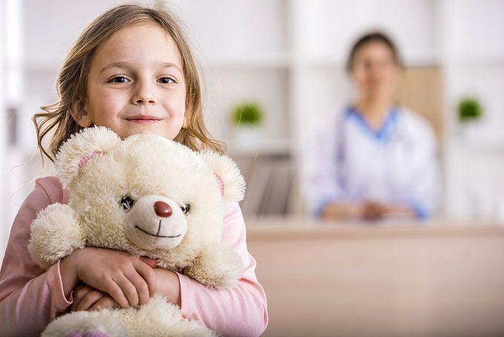 Zdjęcie dziecka pochodzi z serwisu shutterstock.com