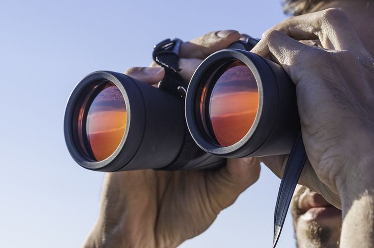 Dobrą lornetkę cechuje odpowiednie powiększenie i szeroki kąt widzenia