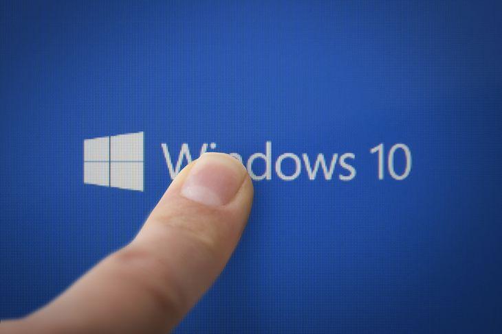 Zdjęcie windows 10 pochodzi z serwisu shutterstock.com