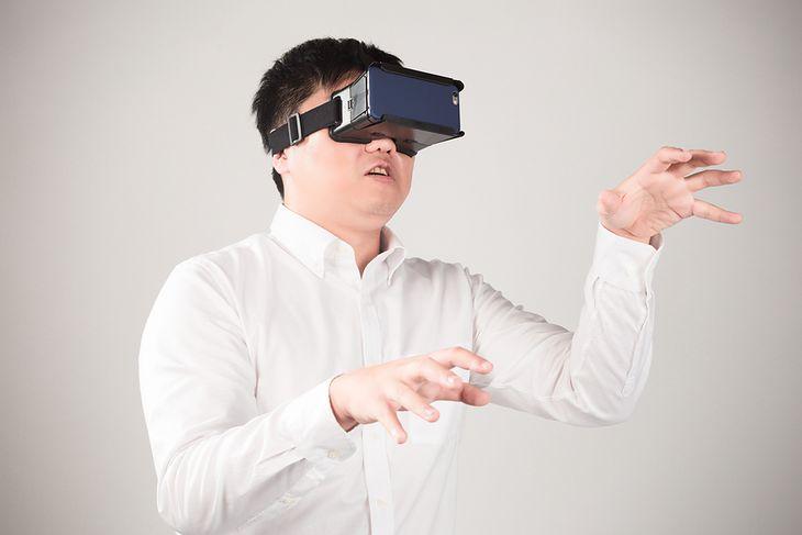 Zdjęcie mężczyzny pochodzi z serwisu shutterstock.com