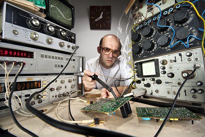 Zdjęcie naukowca pochodzi z serwisu shutterstock.com