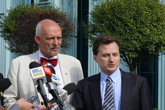 Zdjęcie Korwin-Mikkego pochodzi z serwisu shutterstock.com