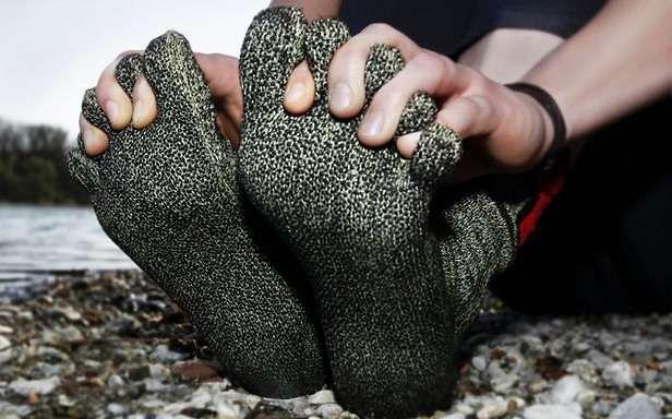 Skarpetki zamiast butów? (Fot. Gizmag.com)