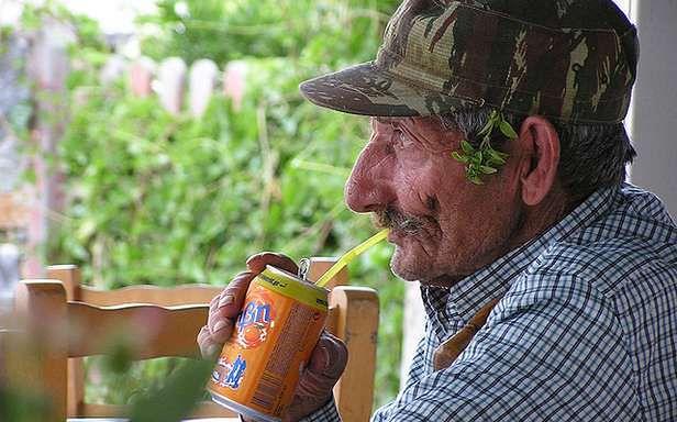 Czy życie staruszka jest wesołe? (Fot. Flickr/Antonis Lamnatos/Lic. CC by)