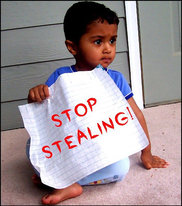Nie kradnij! (fot. na lic. CC; Flickr.com/by Nisha A)
