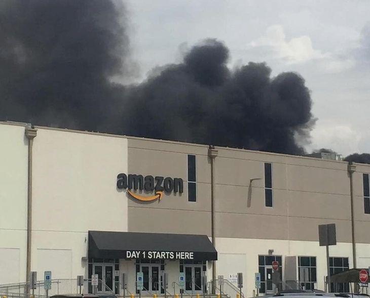 Pożar magazynu Amazon