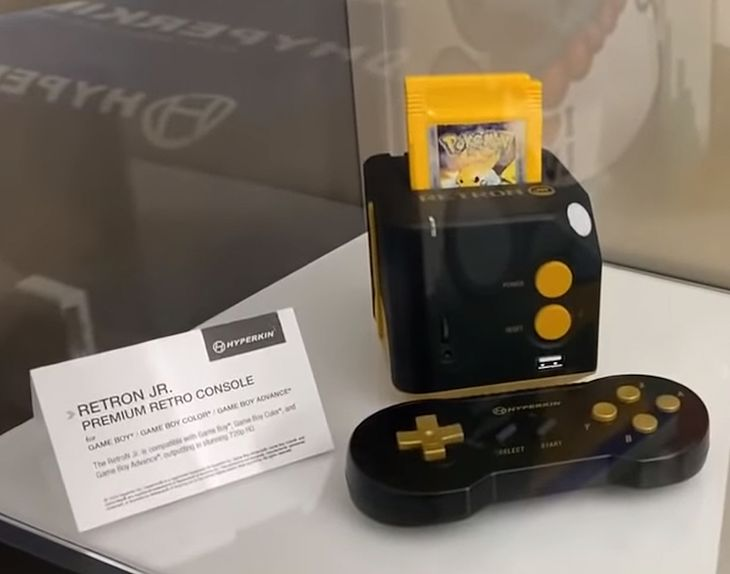 RetroN Jr, czyli Game Boy stacjonarnie