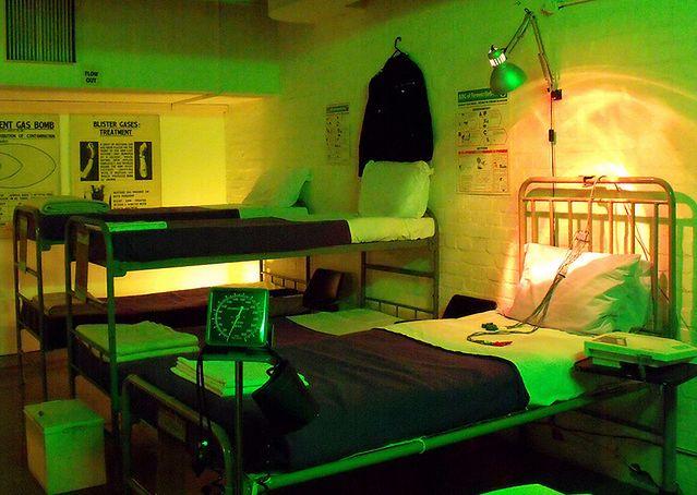 Szpital w schronie przeciwatomowym (fot. flickr - APM Alex)