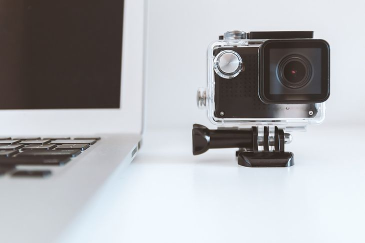 Materiały nagrane kamerami sportowymi można bez problemu otworzyć na komputerze