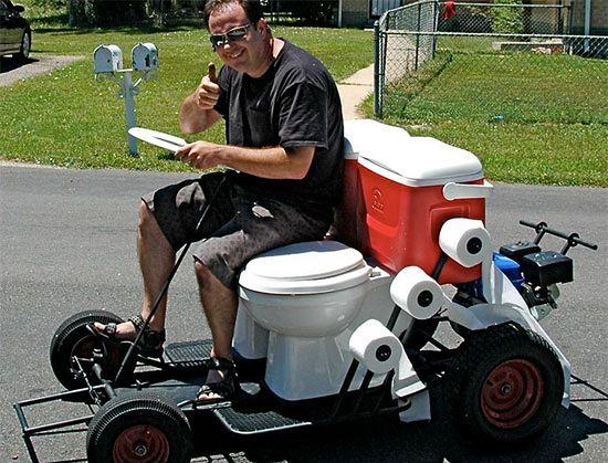Toilet gokart