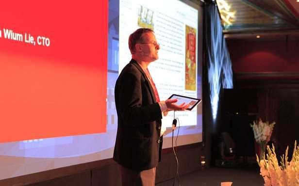 Håkon Wium Lie podczas dzisiejszej konferencji (Fot. Opera.com)