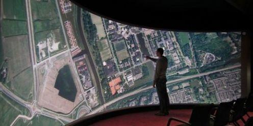 Komu potrzebny jest ogromny ekran dotykowy?
