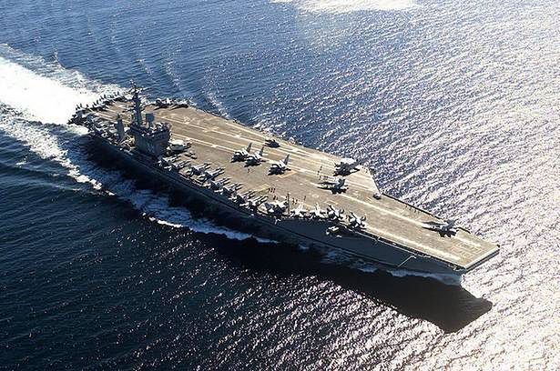 USS Nimitz - już niedługo pływająca rafineria? (Fot. Wikimedia Commons)