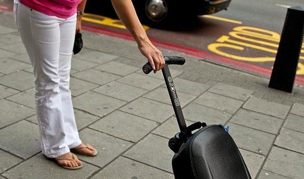 b8a79cce6132c Hulajnoga z walizką czy walizka z hulajnogą? | Gadżetomania.pl