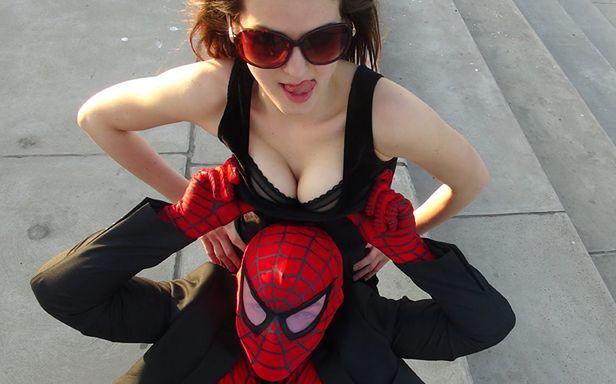 Polski Spiderman i jego pani