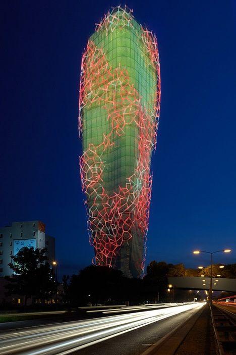 wieża oktanów