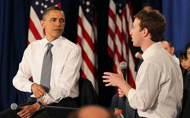 Mark Zuckerberg z prezydentem podczas wizyty Obamy w siedzibie Facebooka
