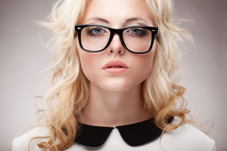 9 Fundamentalnych Zasad Makijażu Dla Okularnicy Jak Dobrać Make Up