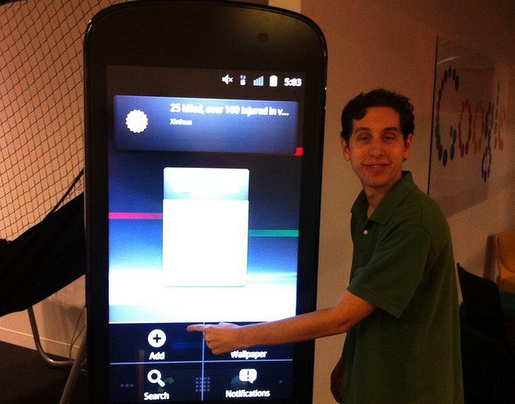 A może tak wygląda telefon przyszłości? :)