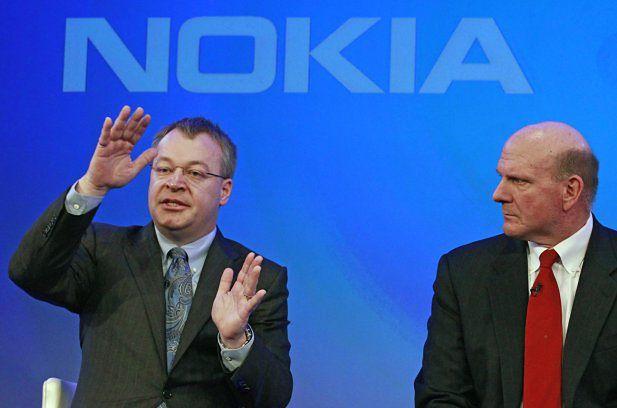 Stephen Elop i Steve Ballmer (fot. dailymaverick.com)