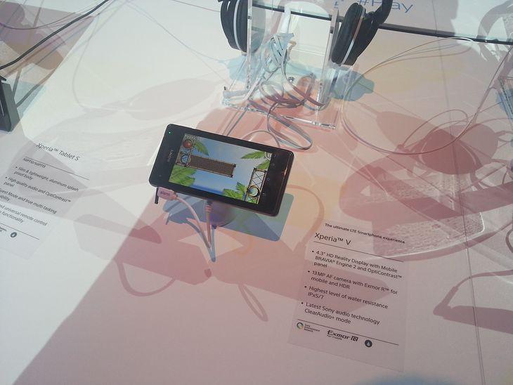 Sony Xperia V | fot. Komórkomania