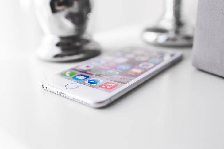 iPhone 6s może być ostatnim flagowym iPhone'em z fizycznym przyciskiem pod ekranem