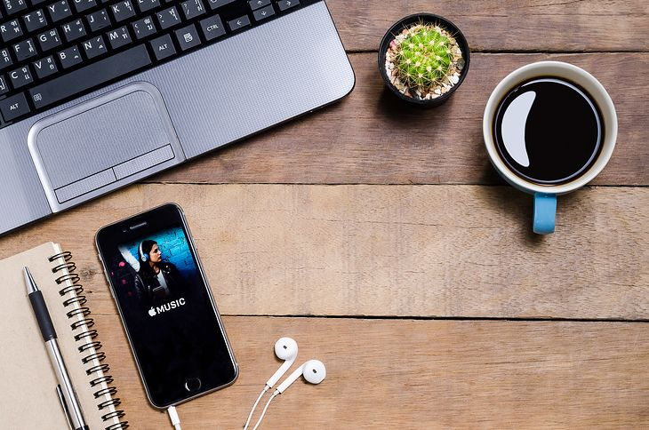 Apple Music - mc_stockphoto.hotmail.com / depositphotos.com