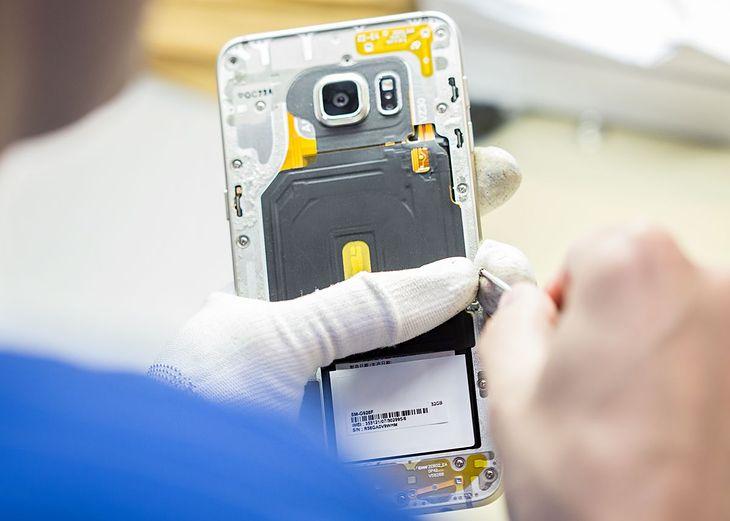 Szybkie naprawy smartfonów w ramach Orange Smart Care
