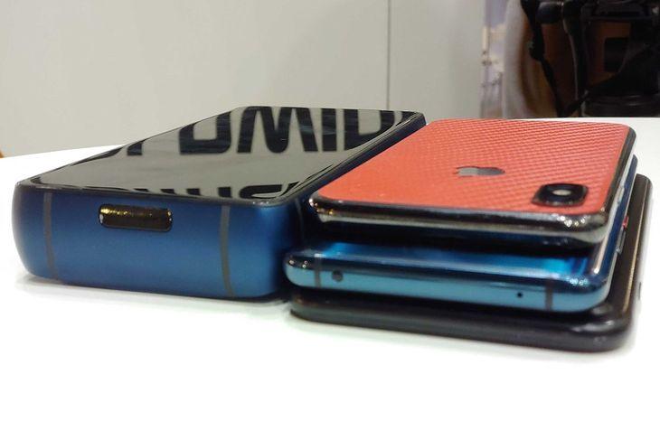 Energizer Power Max P18K Pop swoją grubością przypomina stos smartfonów