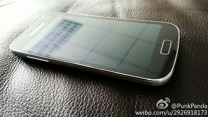 Galaxy S4 mini (fot. weibo.com)