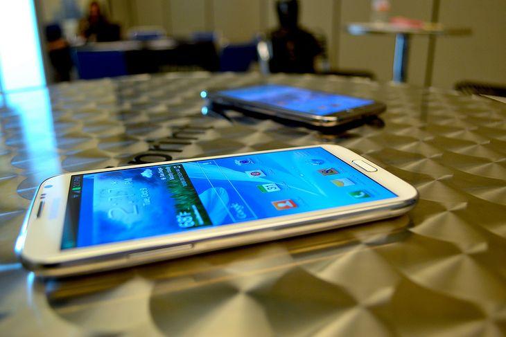 Galaxy Note II (fot. EC Memento)