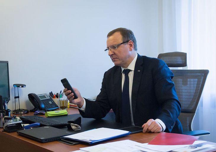 Telewizja Polska ogłosiła przetarg na prawie 500 smartfonów.