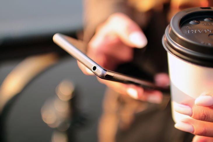 Jedną z najprostszych sposobów doładowania telefonu jest skorzystanie z aplikacji danego operatora