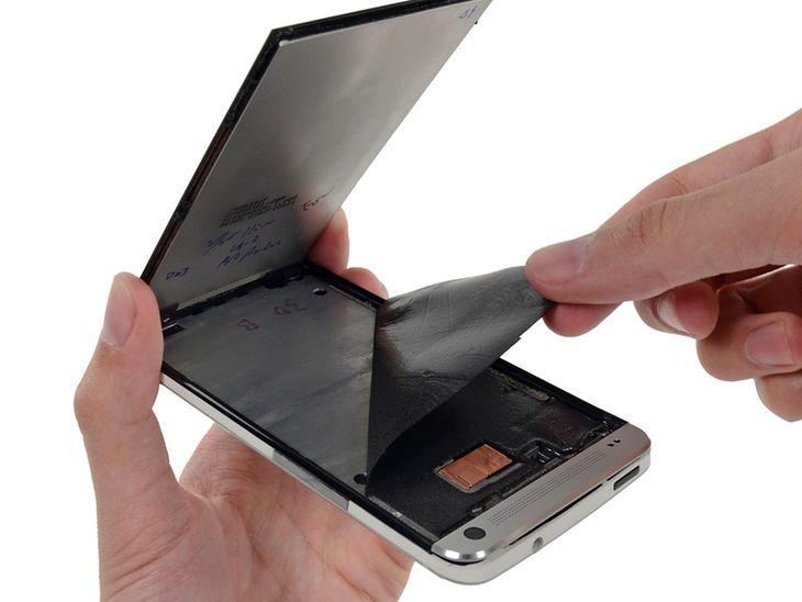 HTC One (fot. ifixit.com)