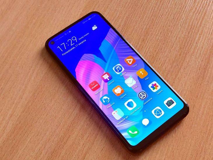 Huawei P40 lite E to jeden z wielu smartfonów pozbawionych usług Google'a