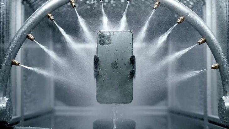 iPhone 11 Pro promowany jest jako wodoszczelny
