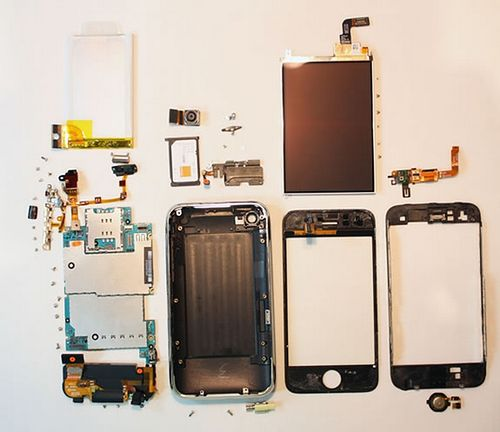 iphone-3g-s-fully-disassembled2