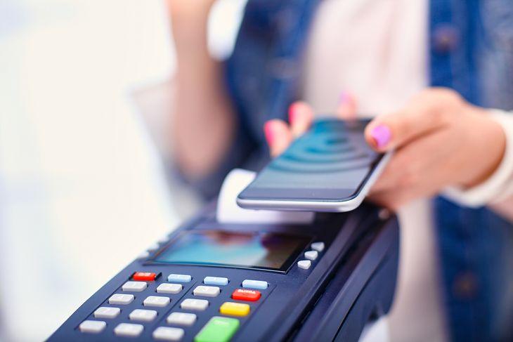 Podpowiadamy, jak korzystać z NFC