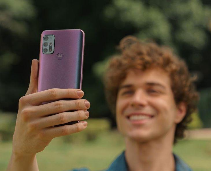 Motorola Moto G30 ma m.in. lepszy aparat i ekran o wyższej częstotliwości odświeżania